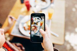 【LINEカメラ】無料スマホアプリで写真に文字入れをする方法